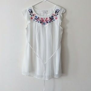 Motherhood Maternity Sz S White Embroidered Top
